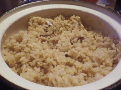 魚の煮汁リメイクで・・・土鍋炊き込みご飯(^^ゞ