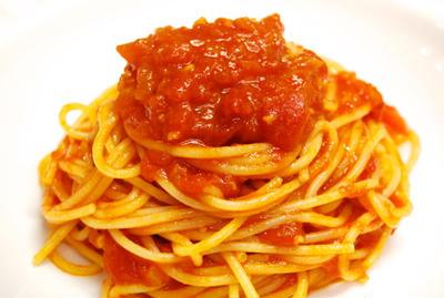 『シンプルでウマい!トマトソースのパスタ』