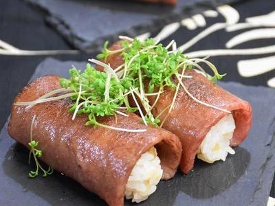 >最高級ブランド牛!仙台牛 霜降りカルビのにぎり寿司 by ayakaさん