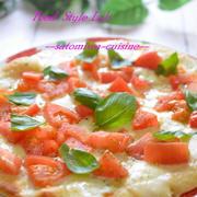 休日ランチに作ったモッツアレラとトマトの絶品ピザ☆