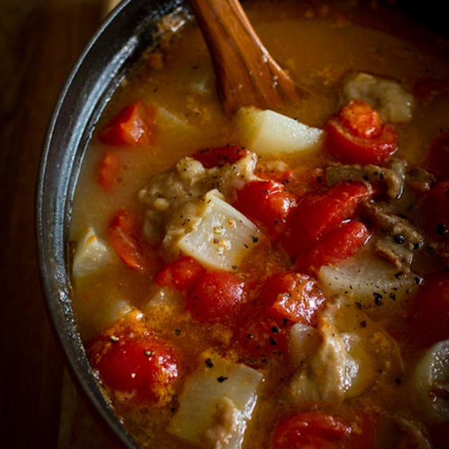 牛すじと大根のトマトスープ煮