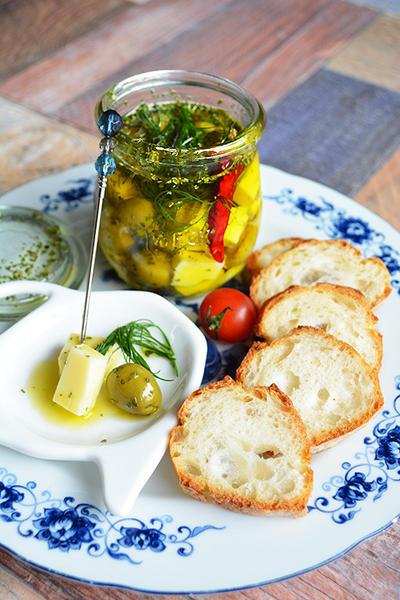 ハーブ&スパイス漬け チーズ&オリーブ 作り置き常備おつまみ