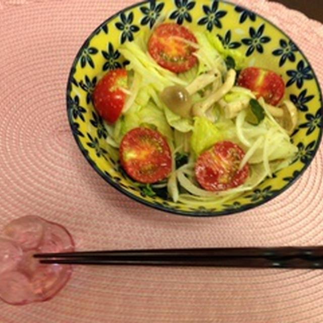 亜麻仁油ドレッシングのサラダ