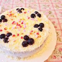 ピーラーでチョコの雪、ホワイトクリスマスケーキ