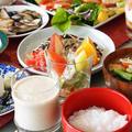 ■クリスマスの朝ご飯【(前編)粕汁/お粥/酢の物/カプレーゼ/漬物/生ジュース】その他は次回に続きます♪