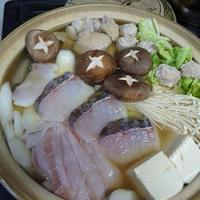 焼きあごと焼き煮干の合わせだしで鱈など寄せ鍋