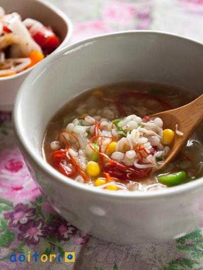 ヘルシー雑炊は胃に優しい♪麦や雑穀の雑炊レシピ7選
