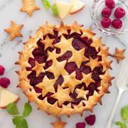 【レシピ】星形が可愛い♡ラズベリーアップルパイ