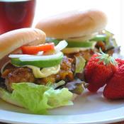 カレー風味の 照り焼きチキンバーガー