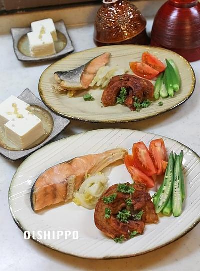 フライパンで2品おかずと新米でごはん♪塩鮭ハーブ蒸し焼き
