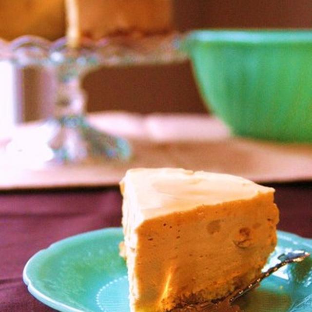 アンティーク土産とキャラメルチーズムースケーキ。