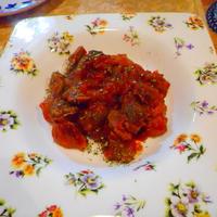 砂肝と新玉ねぎのトマト煮込み