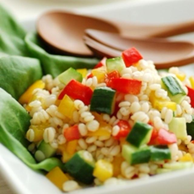 パプリカと押麦のサラダ