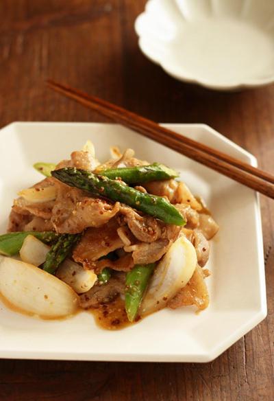 豚肉とアスパラガスの粒マスタード炒め