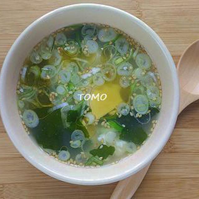 忙しい朝に♪崩し豆腐のワカメスープ
