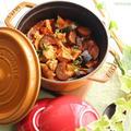 トマトジュースで作る鶏肉と夏野菜のトマト煮込み