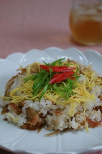 日曜のお昼ごはんの「鮭ごはん」とグラマシーニュヨークのあんみつと杏仁豆腐