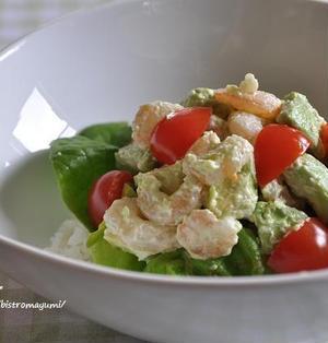 年末年始のお昼ごはん~簡単5分混ぜるだけでできる!エビとアボカドのサラダ丼~