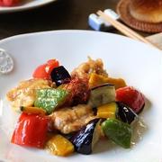 ローズメイビネガーでカラフル野菜の酢鶏。