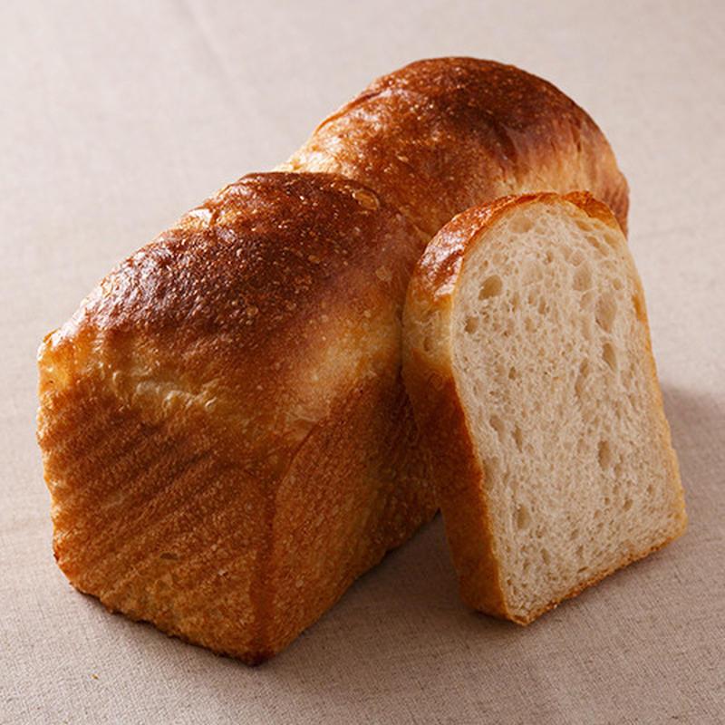 憂鬱な月曜日の朝には、背筋がピンとするような、シンプルで上質な食パンを。今人気のパン屋・シニフィアン...