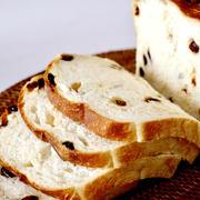 こねないパンシリーズ〜レーズン食パン簡単レシピ〜