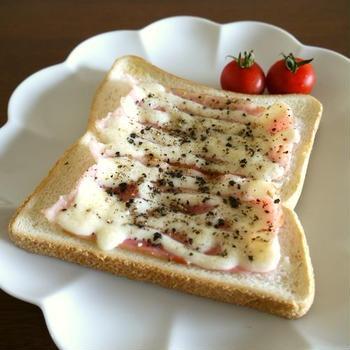 【簡単レシピ】パパっと朝食に♡ベーコンマヨトースト♪