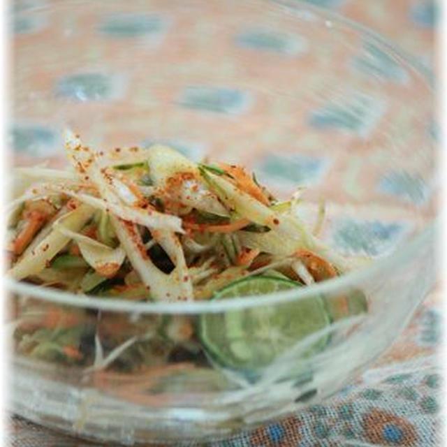 チリオリーブオイルのサラダ。 と朝ごはん。