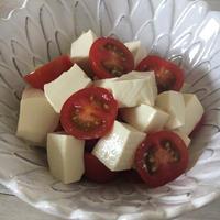 塩豆腐とトマトの紅白サラダ♪