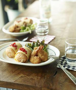 書籍に掲載されているレシピのうち、オムライスおむすびや海老マヨおむすびなど数点は、公式サイトでレシピ...