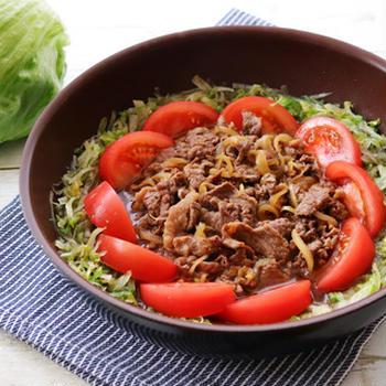 レタスとトマトの牛すき鍋
