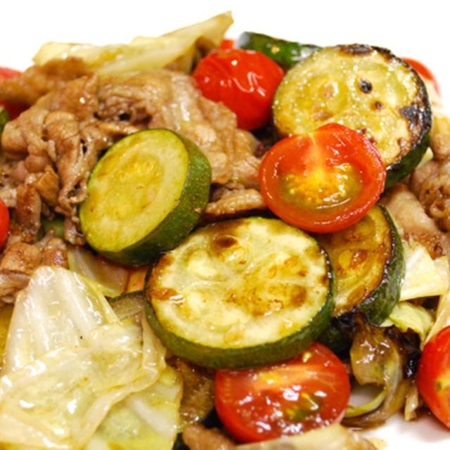 『夏野菜たっぷり!ズッキーニと豚肉のバルサミコ酢炒め』