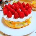 """意外と簡単・コスパも抜群 """" イチゴと生クリームのデコレーションケーキ """"  by アレックスさん"""