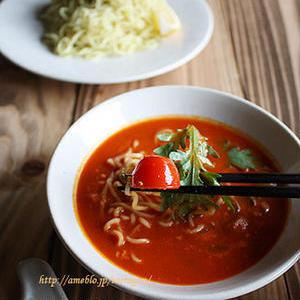 夏に食べたいさっぱり味!リコピンたっぷり「トマトつけ麺」