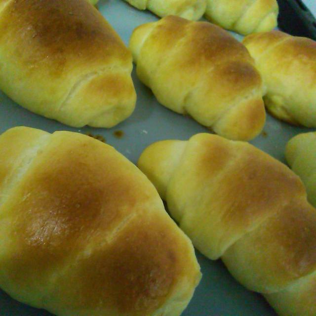 ロールパンとシリコンキッチンマット