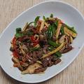 青椒牛肉絲、牛肉と細切り野菜のオイスターソース炒め