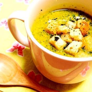 かぼちゃと小松菜の塩麹豆乳スープ