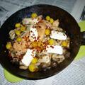 銀杏・シメジ・サーモン+チーズ炒めのタパス
