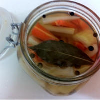 カラフルペパーとローリエ香る簡単ピクルス