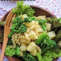 あたたかいうちに召し上がれ~♪ポテトとブロッコリーのバター醤油パスタサラダ。 +離乳食にも便利♪