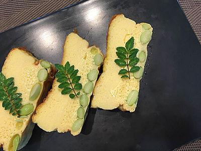 今日のテザートはお汁粉、ほっこり温まります・・レシピはオーブンで伊達巻風卵焼き
