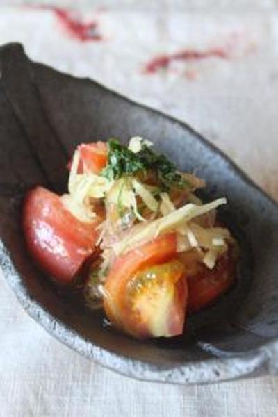 夏にさっぱり☆たっぷりの香味野菜とトマトの和風マリネ