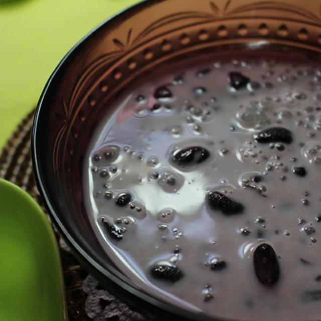 タイのカノム(お菓子)黒豆とタピオカのココナッツミルク汁粉★トゥアダムサークー★びっくり表示