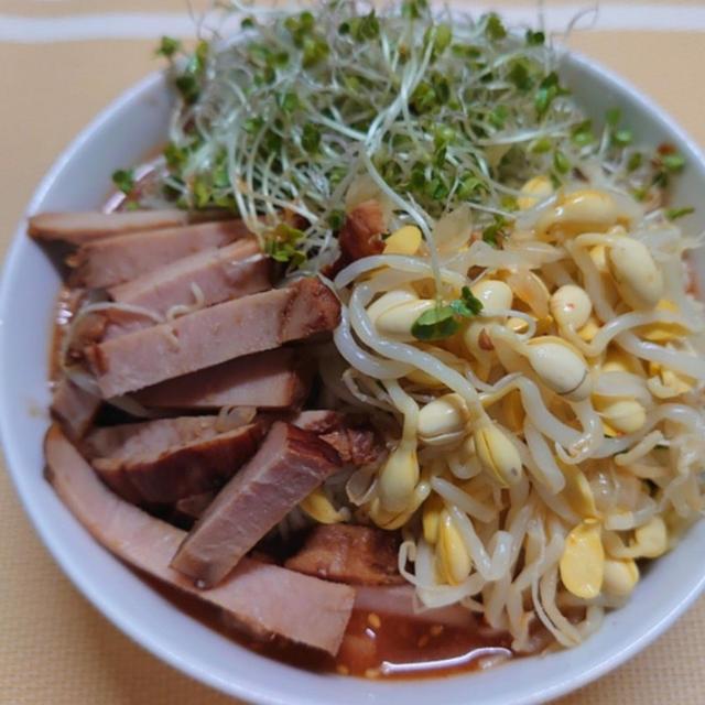 """【晩御飯のご提案】""""夏の終わりの、ピリ辛素麺‼️"""""""