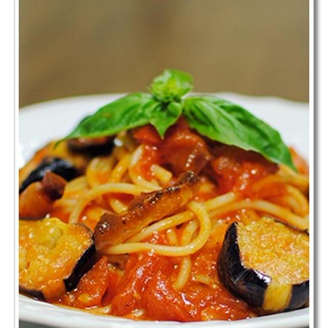 パンチェッタとナスのトマトソースのスパゲッティ