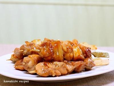 串に刺さった「鶏の照り焼き」&ボーイスカウト活動で恒例の「冷やし天ぷらうどん」60人前!!