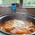 簡単で美味しい「プデチゲ」の作り方&具材。韓国の人気レシピ+動画3選