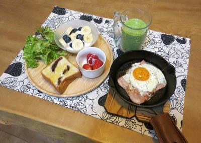 餡トーストの朝ごぱん と ハヤシライスの夜ご飯 と 白い薔薇&オルレアの花♪