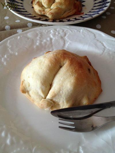 イタリアの包みピザ 「カルツォーネ」 を焼いて、揚げて。