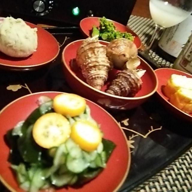 菜の花お浸し、鳴門金時手毬、ブルーチーズ出汁巻き、そして○○燻製
