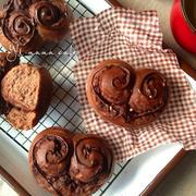 バレンタインチョコロール *ふわふわキメの細かい甘さは控えめなパン*